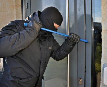 8 consejos indispensables para evitar robos en casa estas vacaciones